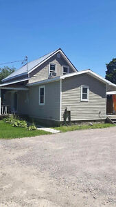 House for sale about 20 minutes from Renfrew