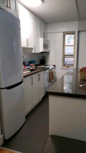 Female-sep1-living room-8mins walk to subway(yonge stclair)