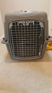 Medium size pet crate