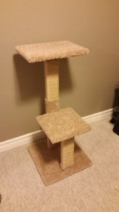 Cat tree post