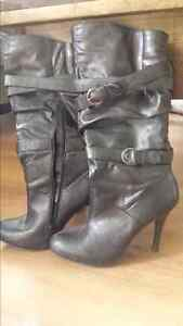 Black high heeled boots - size 8 Kitchener / Waterloo Kitchener Area image 1