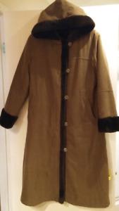Manteau d'hiver reversible en fourrure syntetique brun