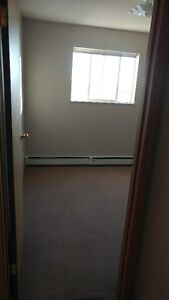 One bed room avaiable starting Dec 1st in Fort Saskatchewan Strathcona County Edmonton Area image 4