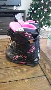 Women's North wave TF2 snowboarding boots size 7 Kitchener / Waterloo Kitchener Area image 1