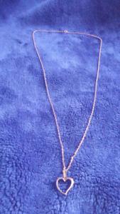 chaine et pendentif en or 10 karat