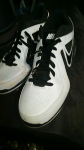 Nike mens baseball cleats size 16 good condition