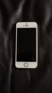 Selling 16gb gold iPhone 5s