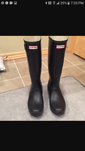 Black hunter rubber boots size 9