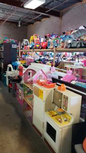 Kitchen @ clic klak used toy warehouse