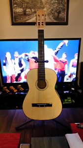 Acoustic Guitar In Great Condition.( C.M.T. )