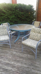 Hauser Patio Set   Many Years Left In It.