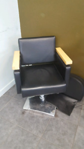 for sale 2 salon chairs and head washer