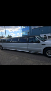 2004 Ford Excursion XLS SUV, Crossover