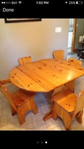 Pine kitchen table and chairs Kawartha Lakes Peterborough Area image 1