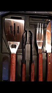 Brand-new barbeque tool set with case London Ontario image 2