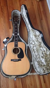 Steel string acoustic vintage-with capo extra strings and case