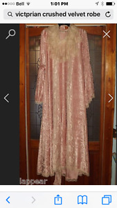 Crushed velvet robe new