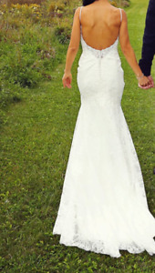 Fitted/Low Back Wedding Dress