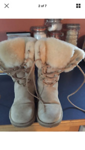 Uggs Boots Size 8