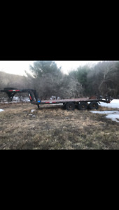 Goose neck float trailer