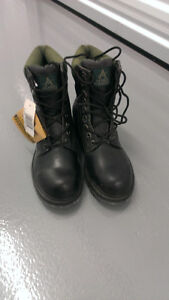 New Steel Toe Work Boots CSA approved