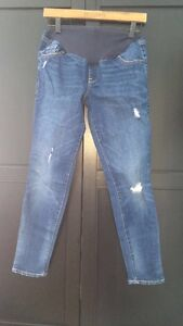 Old Navy maternity jeans 3 PAIRS!!!