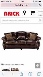 1 Fauteuil 100% cuir véritable capitonné+ 3 tables prestige