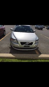 2010 Volvo S40 leather-sunroof-fully loaded