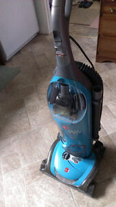 Hoover WindTunnel Savvy Bagless Vacuum cleaner