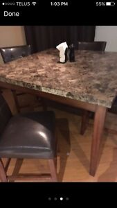 Full high top granite dining room table! 4 chairs  Cambridge Kitchener Area image 3