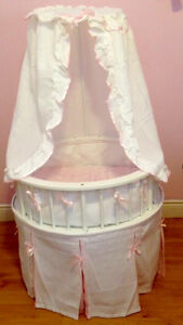 Adorable Round Bassinet