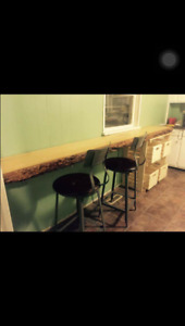 2 Bedroom & Balcony Downtown PA