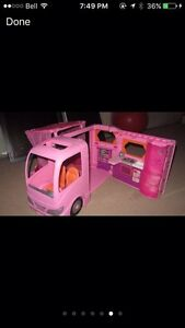 LOOKING FOR A BARBIE CAMPER