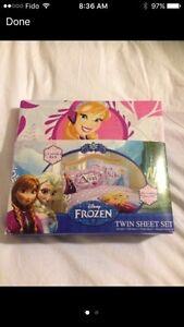 Disney Frozen Twin Sheet Set-like new