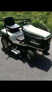 Tracteur de jardin et tondeuse Garden Tractor and lawnmower