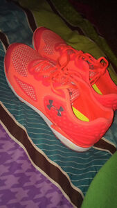 Under Armour woman's sneakers