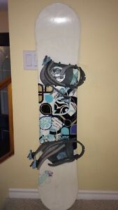 girls, 5ft snowboard, lightly used.