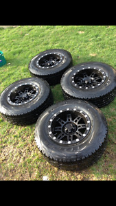 Jeep Wrangler Off Road Rims and Tires (no lift needed)