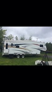 Roulotte Fifth wheel cruiser 2007 27pied