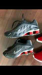 Nike shox r4 og running shoes size 7.5