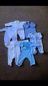 Boys baby grows newborn and 0-3 months