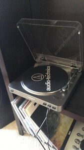 Audio Technica AT-LP60-USB ---- RECORD PLAYER $150 BRAND NEW
