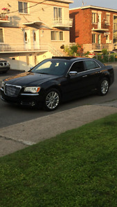 2014 Chrysler 300-Series 5.7 litre V8 Sedan