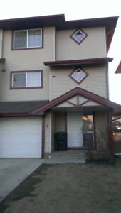 Timberlea Townhouse 3BR 2.5Bath (Utilities included & Furnished)