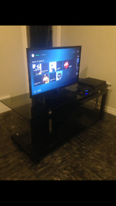 """PS4 startup kit (Includes 32"""" tv, and stand)"""