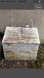 Metal storage bin. 40x31x39