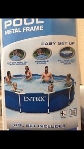 "12'x30"" Metal Frame Pool with Extras"
