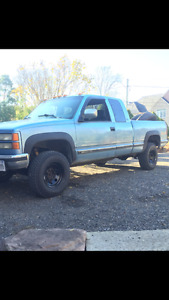 1997 GMC 2500 pick up truck extended cab 4x4 no rust !!!!!!!!!!!