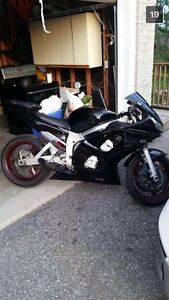 2000 R6 Fast bike with Low KMS