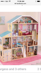 Easter surprise! Like new Magestic Mansion Doll House